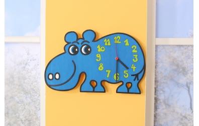 Dětské hodiny hroch