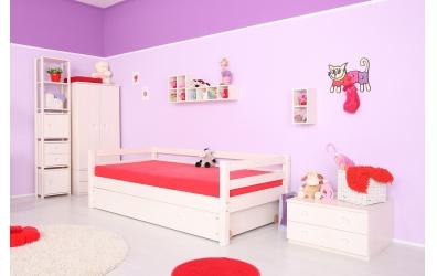 Jednolůžko se zábranou smrk, dětská postel z masivu